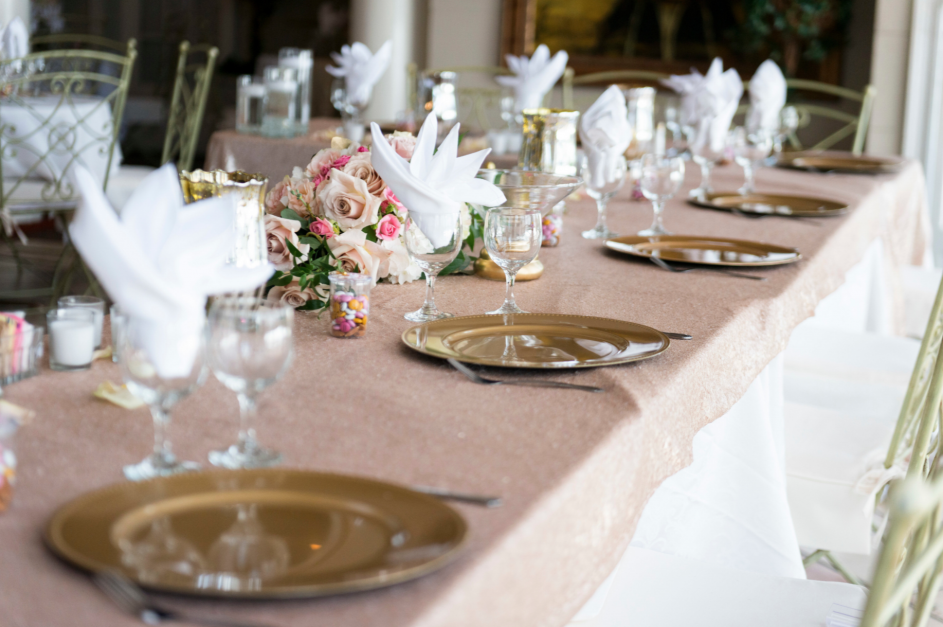 Grand Island Mansion table setting